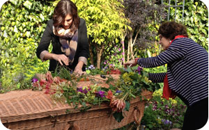 Personal Funerals with A Natural Undertaking